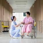 【看護師と患者】心の距離感を保つ正しい共感の方法